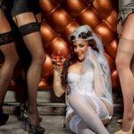 cours d effeuillage burlesque evjf paris marseille les feetardes