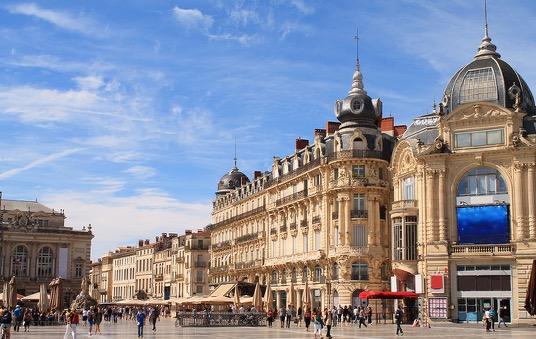EVJF Montpellier Enterrement Vie de Jeune fille Les Feetardes